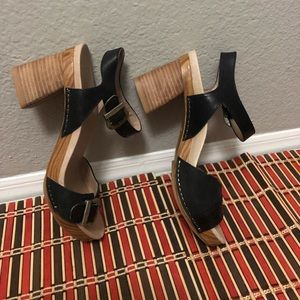 Woman Dansko shoes size 38